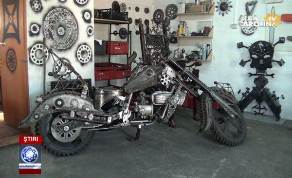 motocicleta-suruburi-arta